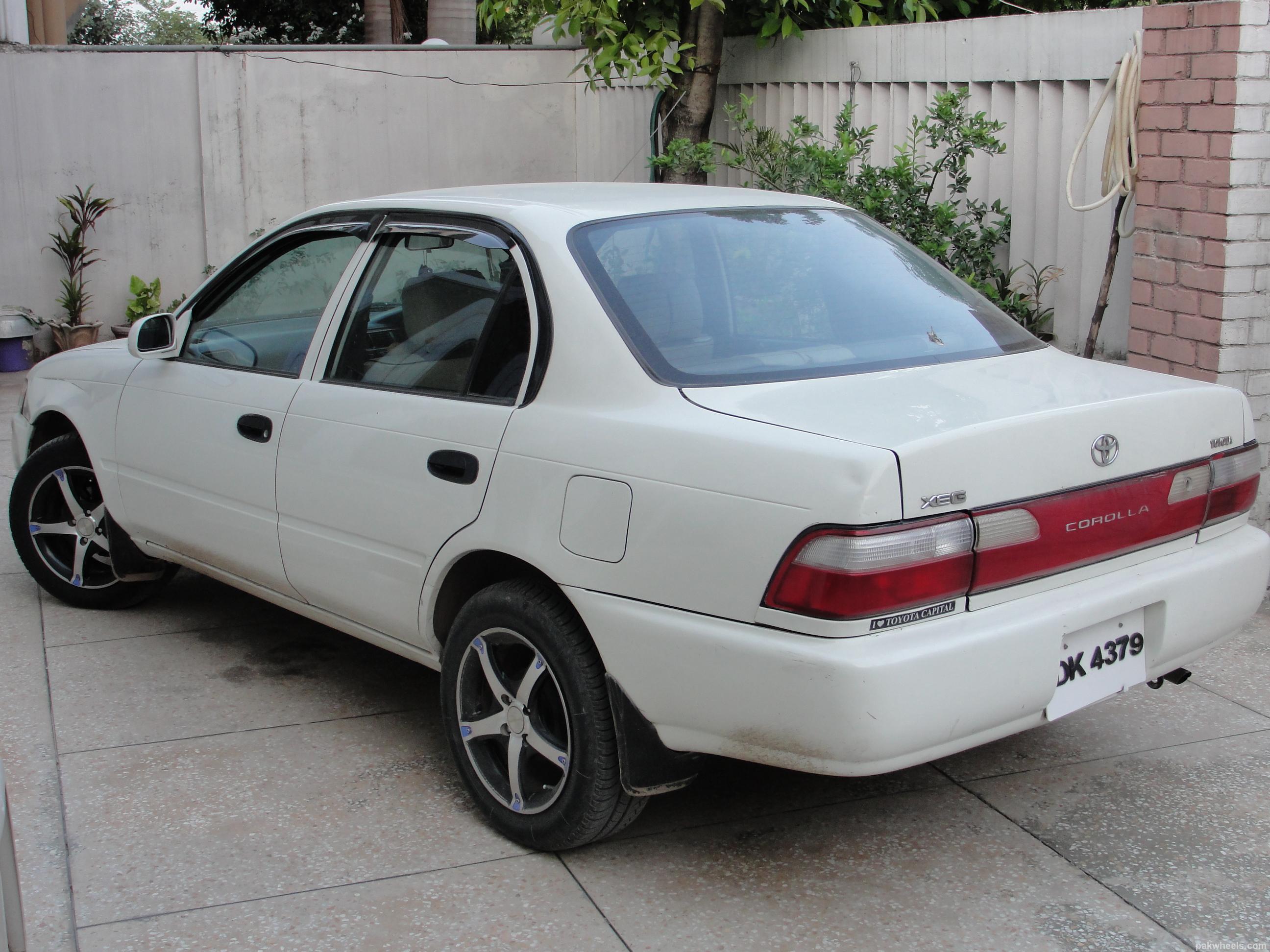 Toyota Corolla XE-G 2001 Image-2