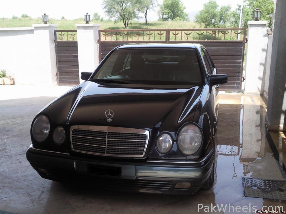 Mercedes Benz E Class - 1996 merc Image-1