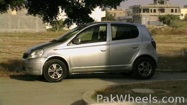 Toyota Vitz - 2002 Talha Image-1