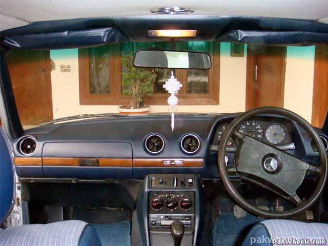 Mercedes Benz E Class - 1982 Emran Xahyd Image-12