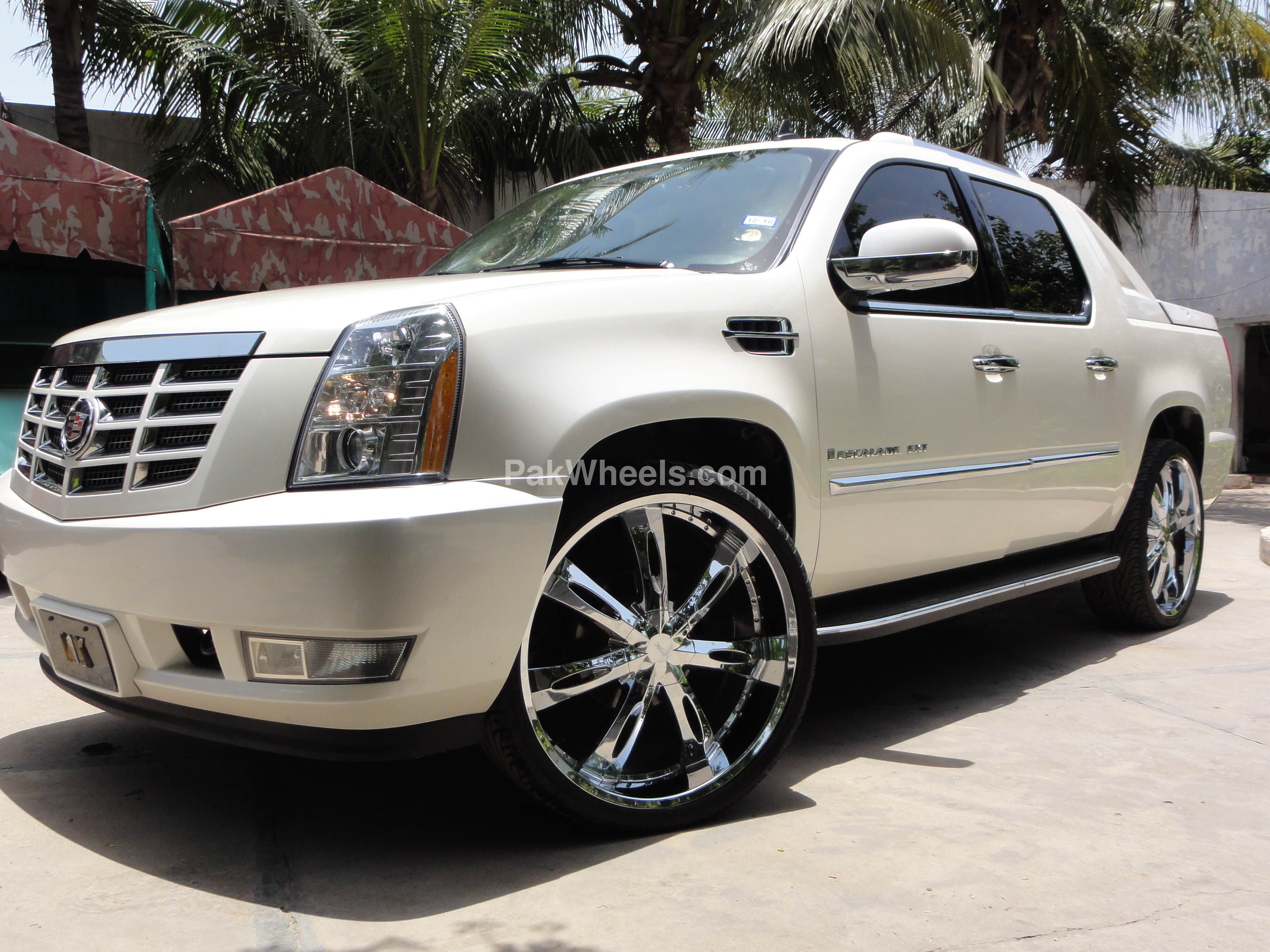 cadillac escalade ext 2007 for sale in karachi pakwheels. Black Bedroom Furniture Sets. Home Design Ideas
