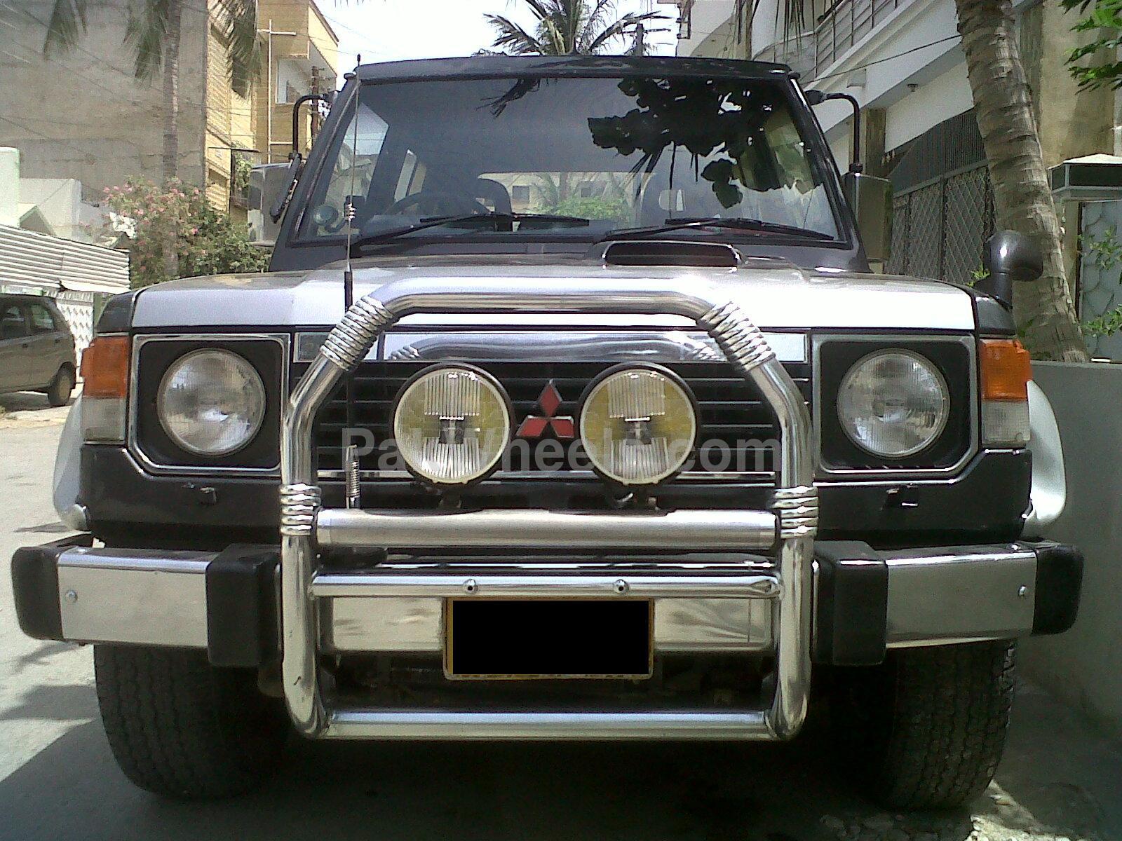 Mitsubishi Pajero - 1989 Mitsu Image-1