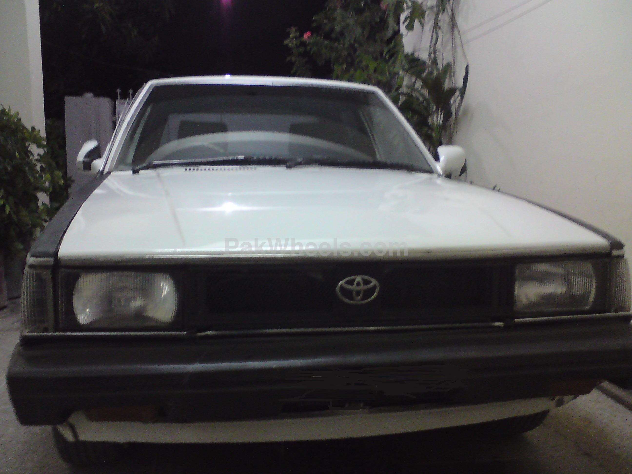 Toyota Corolla - 1982 Khan Image-1