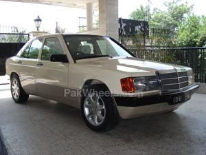 Mercedes Benz E Class - 1988