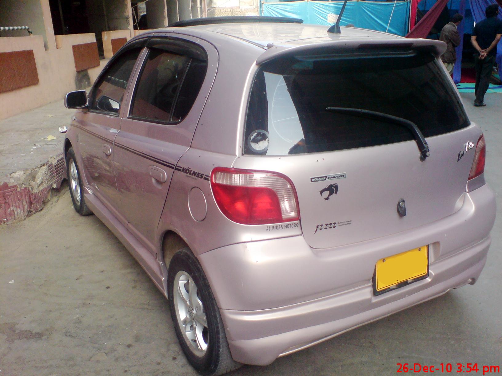Toyota Vitz - 2000 LA VITS Image-1