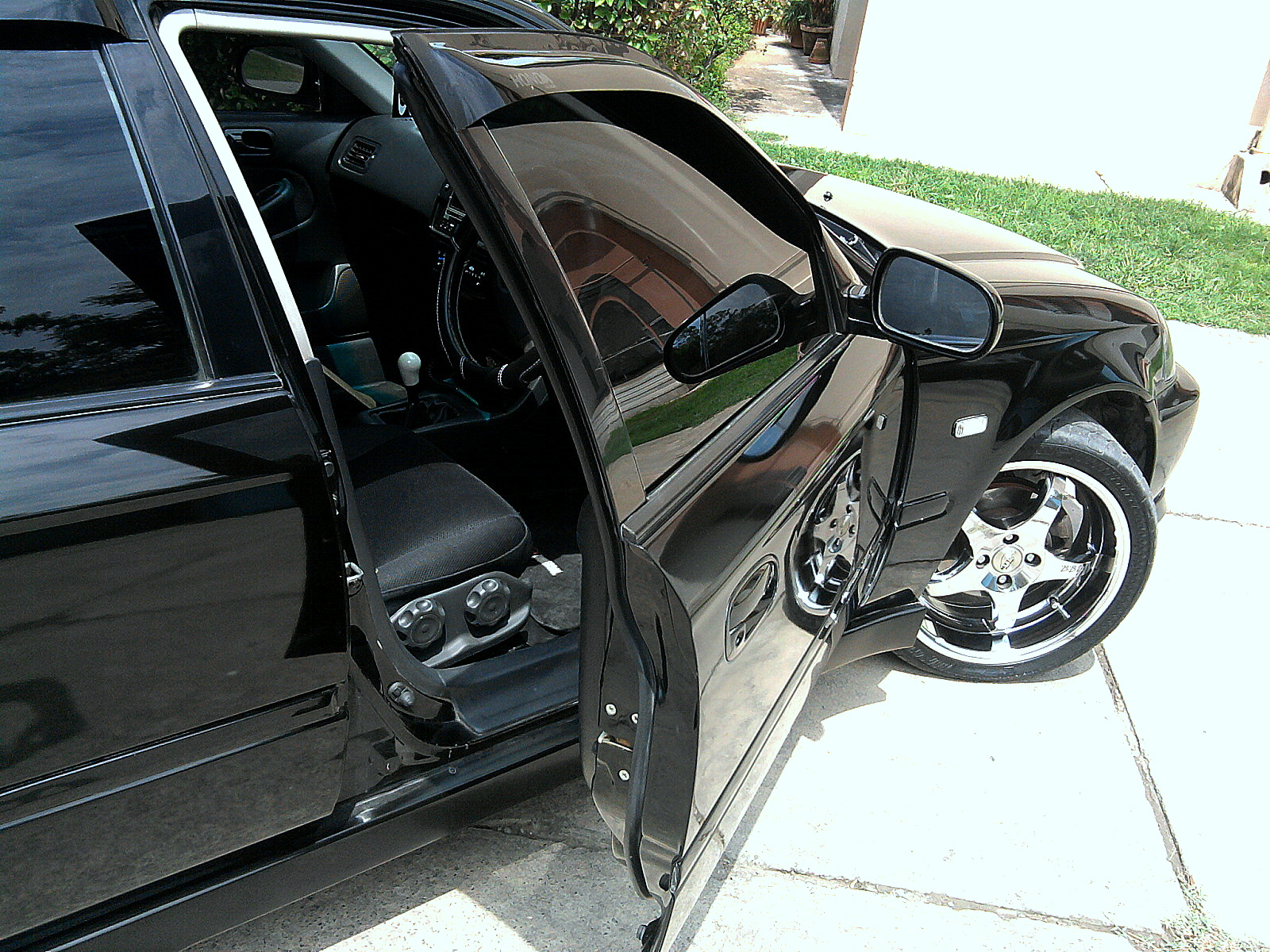 Honda Civic - 2000 black hawk Image-1