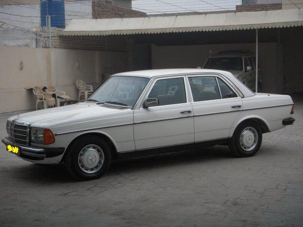 Mercedes Benz E Class - 1982 auto transmission Image-1