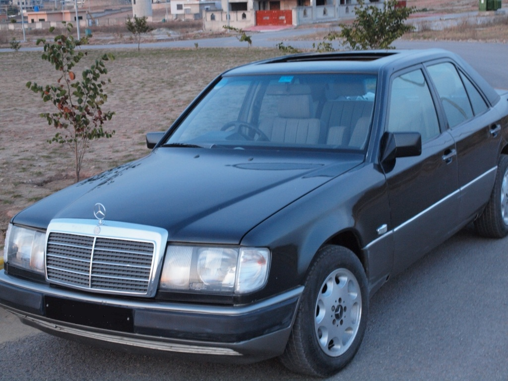 Mercedes benz e class 1989 of taimoorkhan member ride for Mercedes benz membership