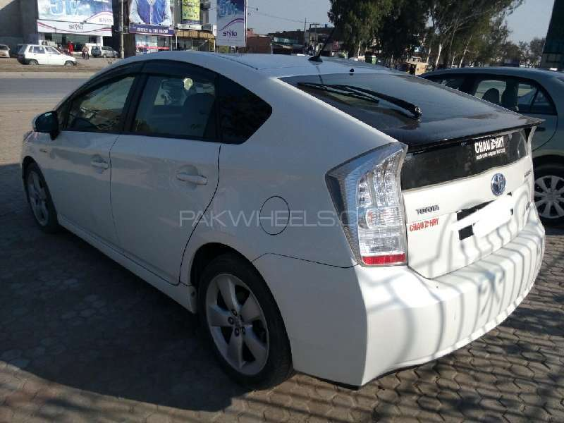 Toyota Prius G Touring Selection 1.8 2010 Image-6