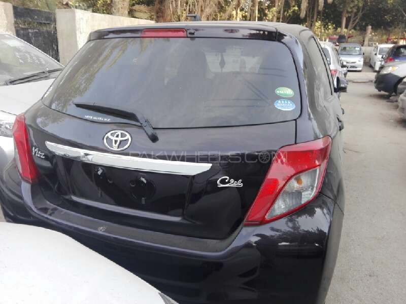 Toyota Vitz FL 1.0 2013 Image-5