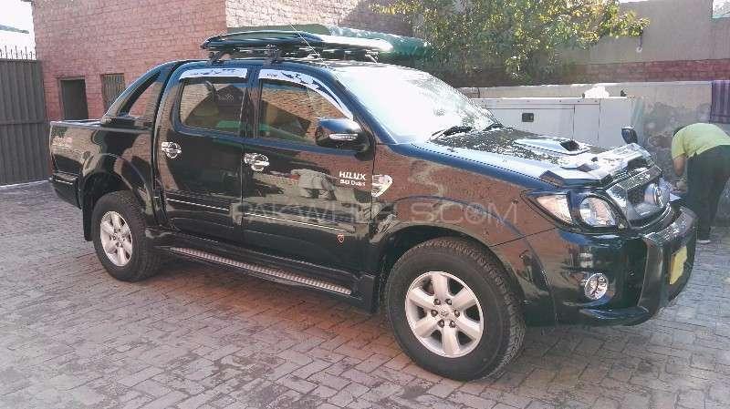Toyota Hilux D-4D Automatic 2010 Image-2