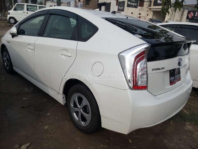 Toyota Prius S 1.8 2013 Image-5