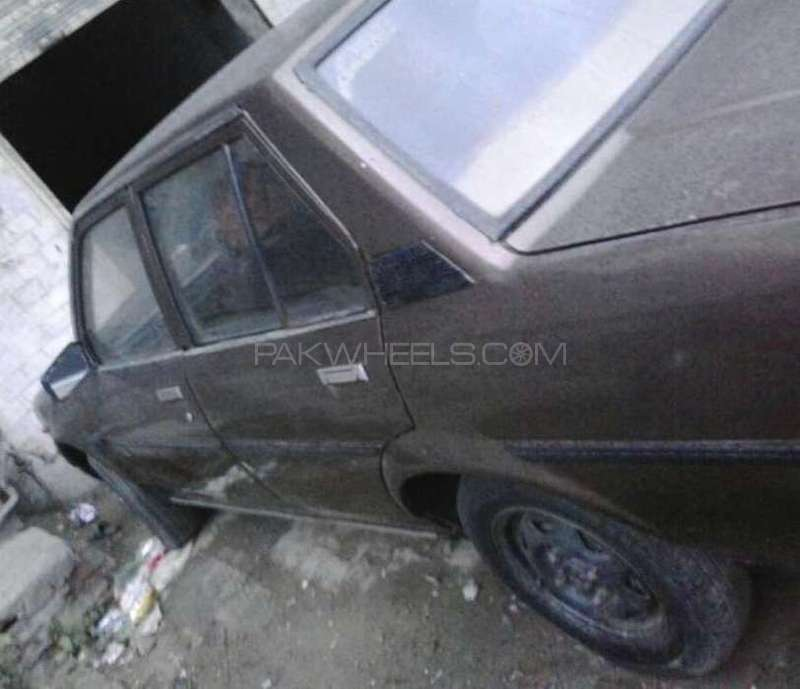 Toyota Corolla 1982 For Sale In Lahore