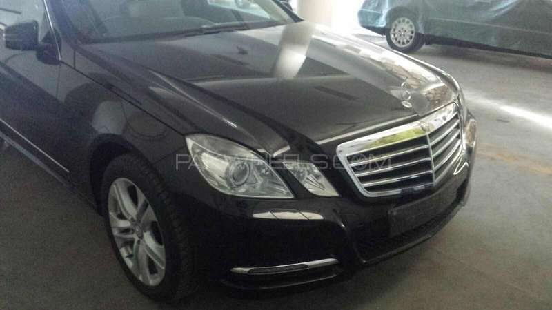 mercedes benz e class e200 2013 for sale in islamabad pakwheels. Black Bedroom Furniture Sets. Home Design Ideas