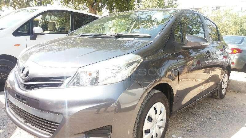 Toyota Vitz 2013 Image-2