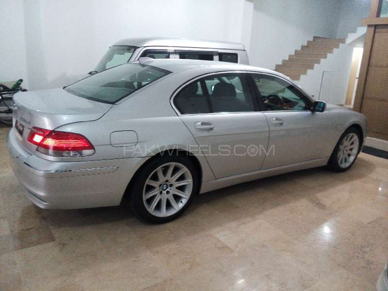 BMW 7 Series 730d 2005 Image-6