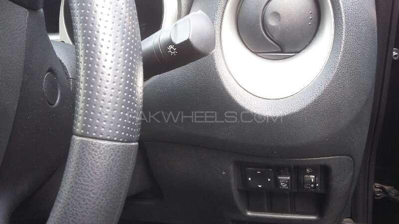 Nissan Juke 15RX Urban Selection 2011 Image-12
