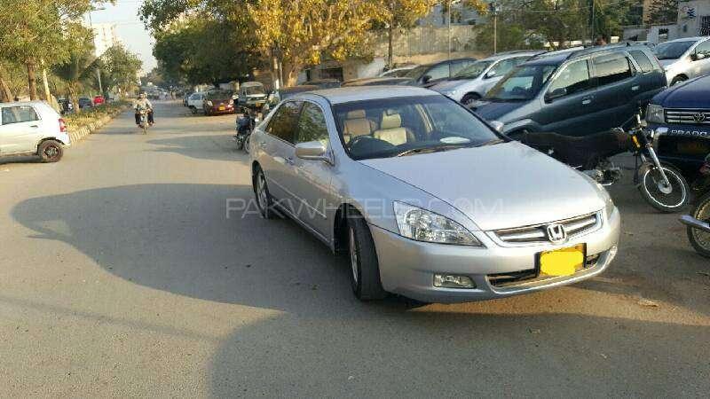 Honda Accord VTi 2.4 2006 Image-2