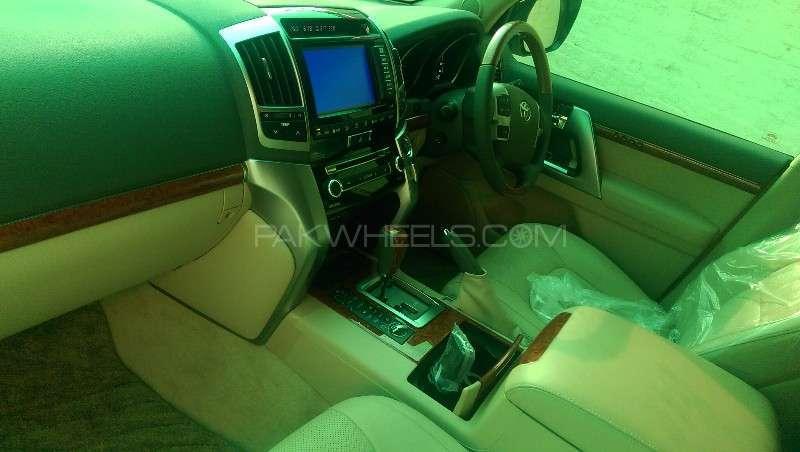 Toyota Land Cruiser ZX 2012 Image-11