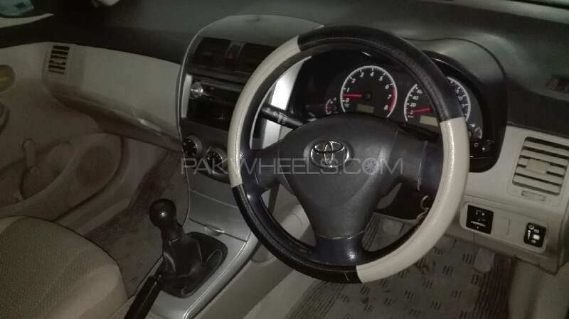 Toyota Corolla XLi VVTi 2011 Image-9