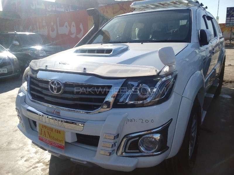 Toyota Hilux D-4D Automatic 2012 Image-2