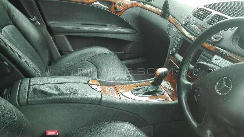 Mercedes Benz E Class E240 2006 Image-7