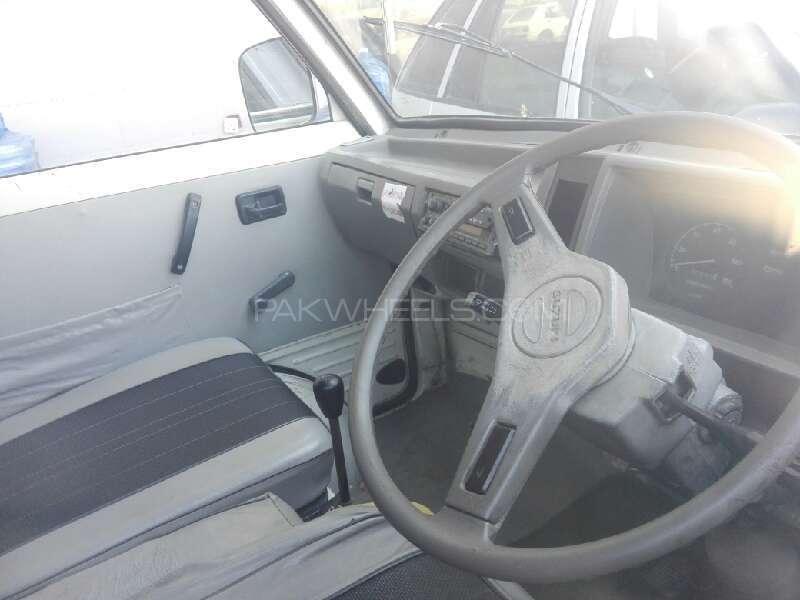 Suzuki Bolan GL 2011 Image-3