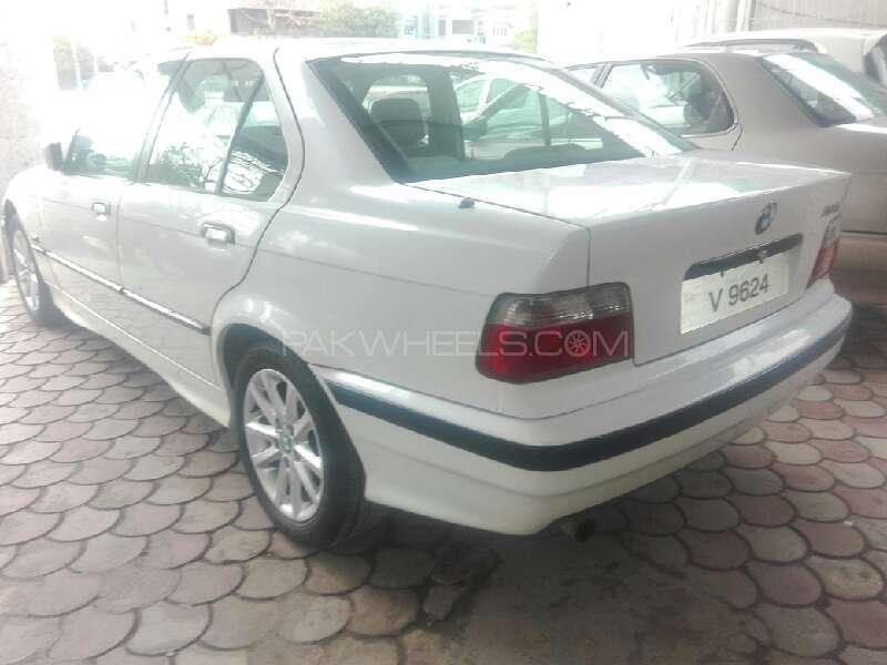 BMW 3 Series 316i 1993 Image-3