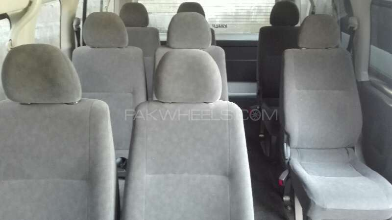 Toyota Hiace 2012 Image-4