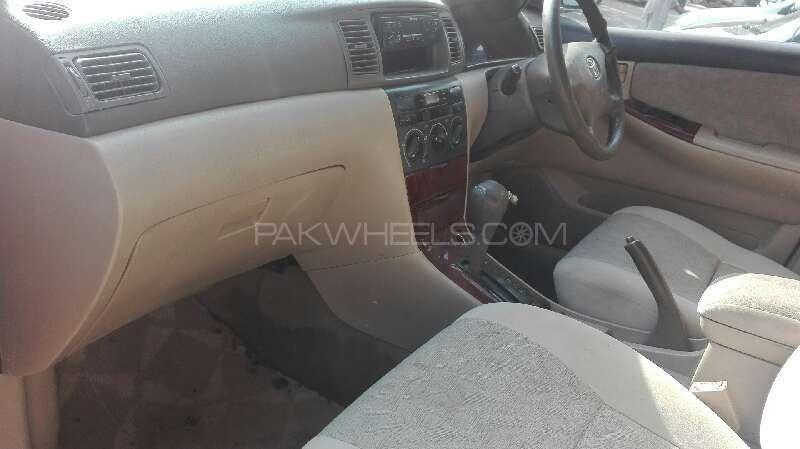 Toyota Corolla SE Saloon Automatic 2003 Image-3