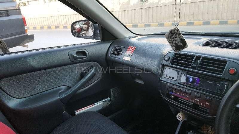 Honda Civic VTi 1.6 2000 Image-2