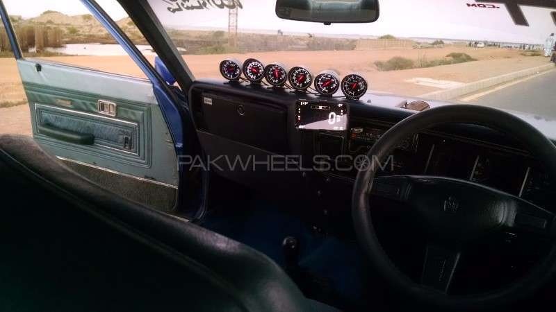 Toyota Crown Royal Saloon 1974 Image-4