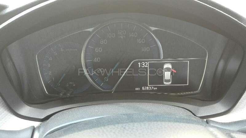 Toyota Corolla Axio X 1.3 2012 Image-5