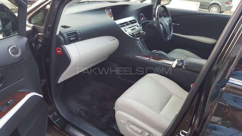 Lexus RX Series 450H 2011 Image-9