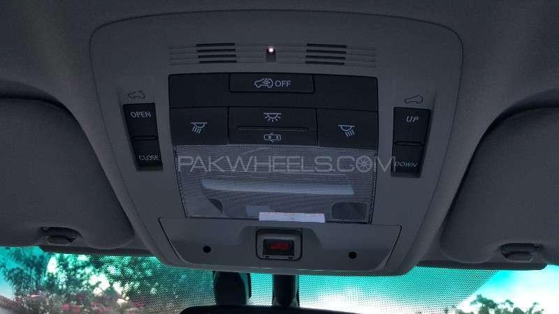 Lexus RX Series 450H 2011 Image-19