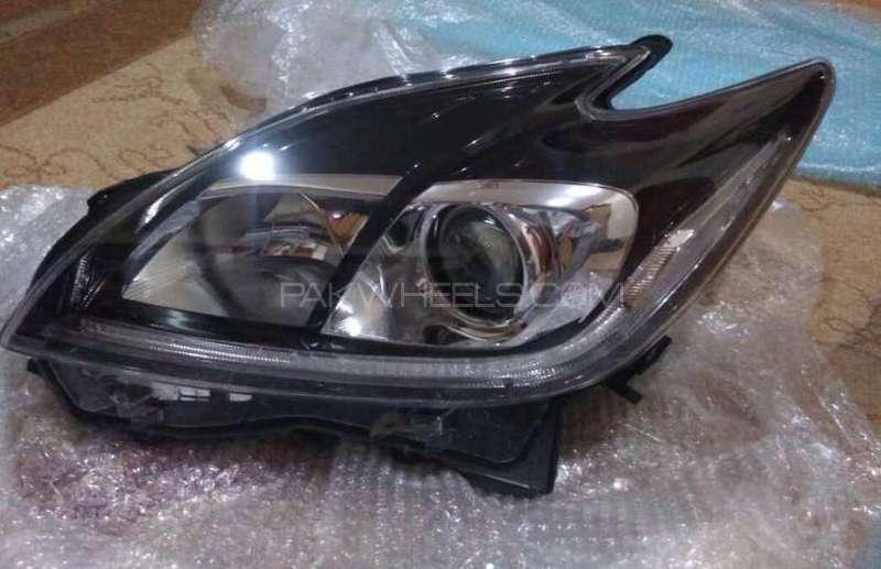 Toyota Prius 1800cc 2012 HID headlight left Image-1