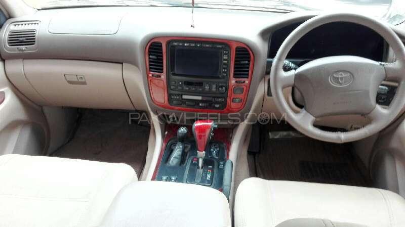 Toyota Land Cruiser 2002 Image-5