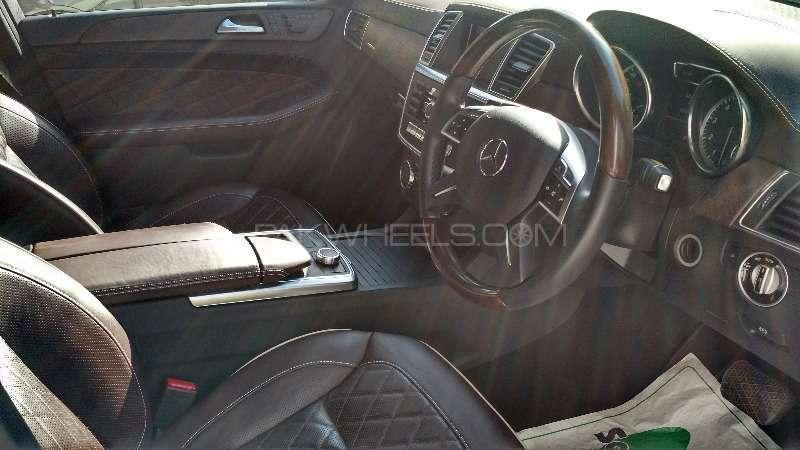 Mercedes Benz M Class ML 350 4MATIC 2012 Image-3