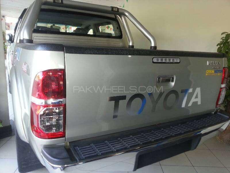 Toyota Hilux Vigo G 2012 Image-7
