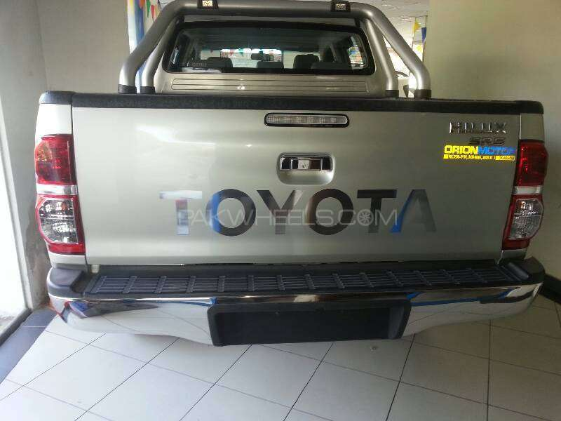 Toyota Hilux Vigo G 2012 Image-8