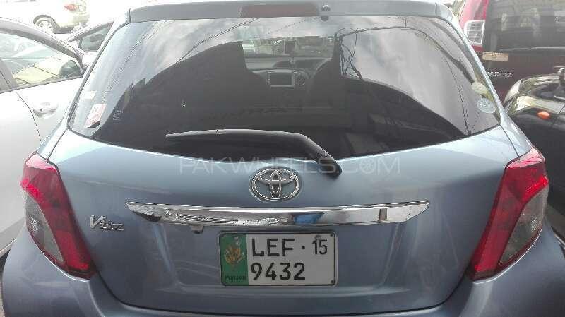 Toyota Vitz F 1.0 2012 Image-3
