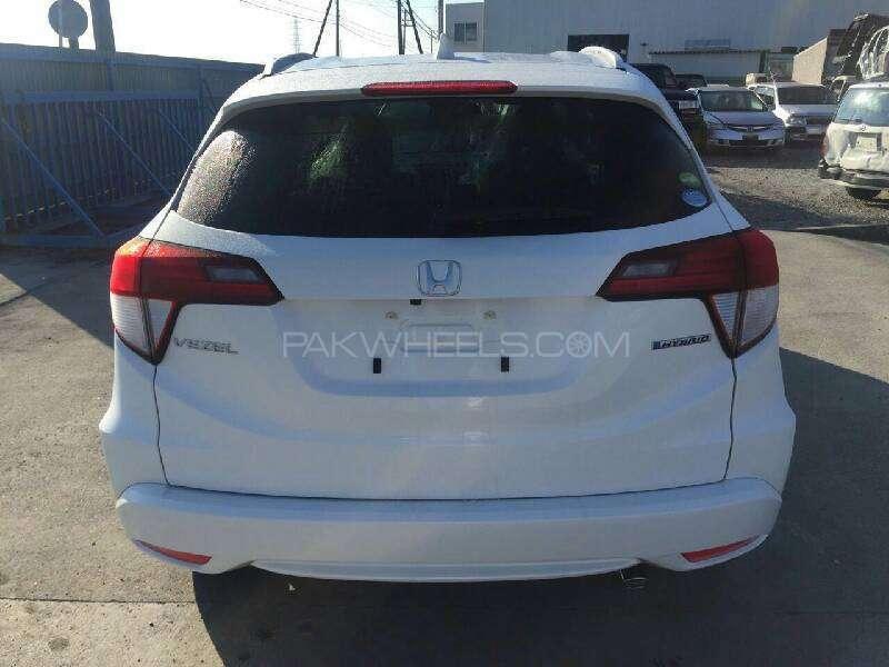 Honda Vezel Hybrid Z 2016 Image-2