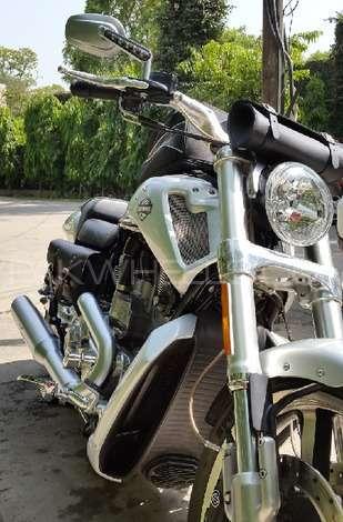 Harley Davidson V-Rod Muscle 2009 Image-1