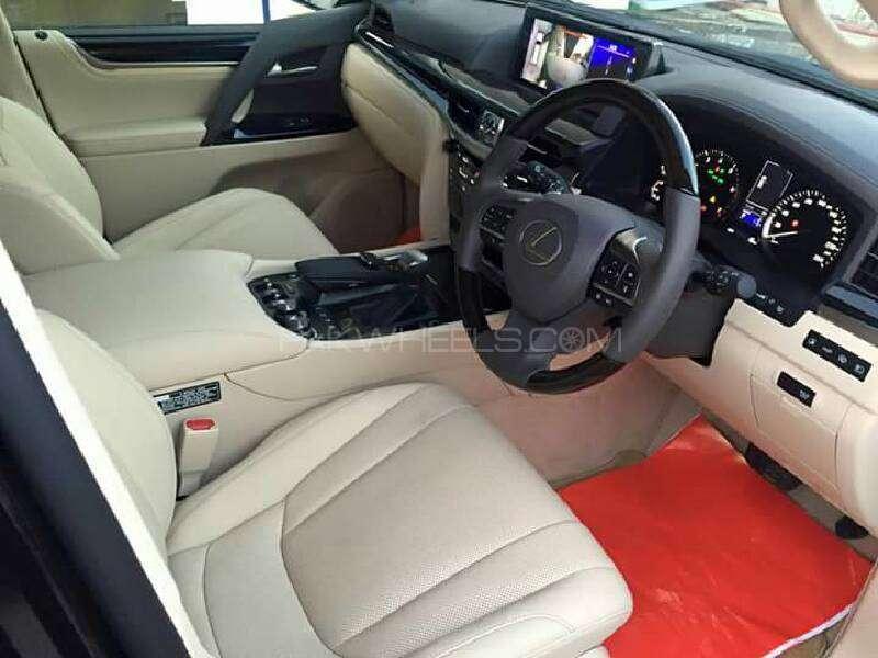 Lexus LX Series LX570 2016 Image-11