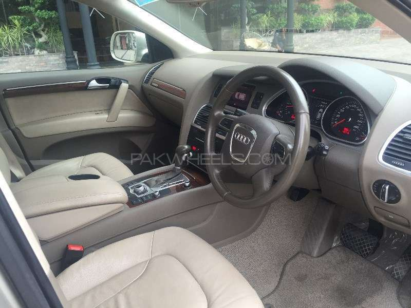 Audi Q7 3.0 TDI 2011 Image-8