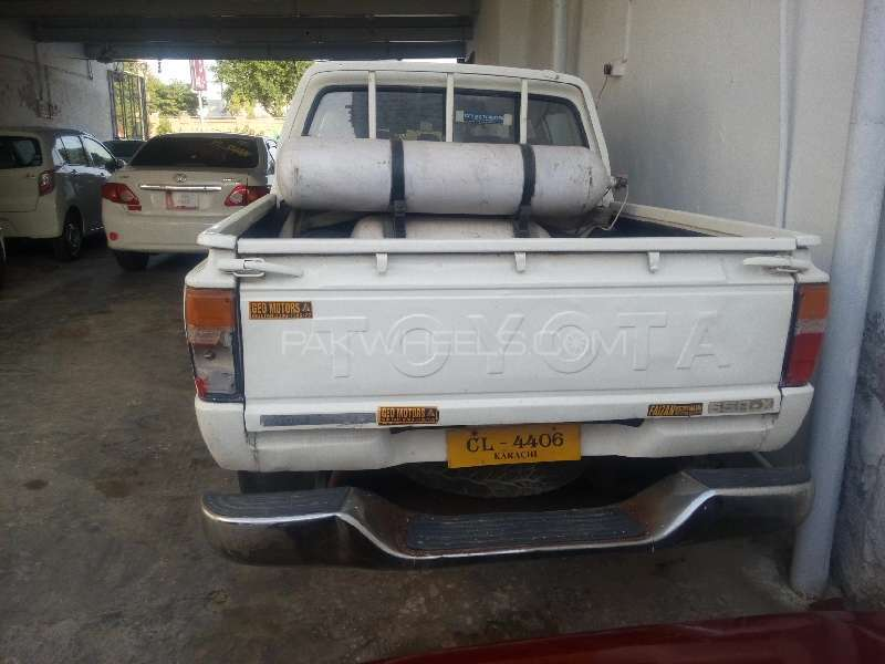 Toyota Hilux Double Cab 1984 Image-3