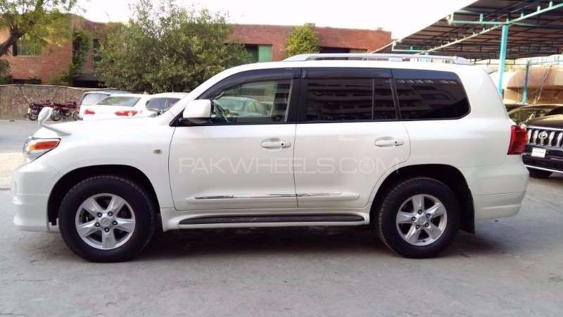 Toyota Land Cruiser AX G Selection 2011 Image-3