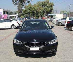Slide_bmw-3-series-316i-2015-11046741