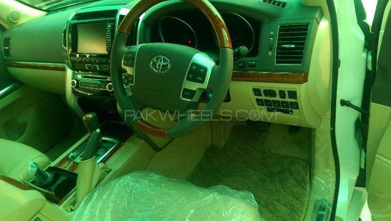 Toyota Land Cruiser ZX 2013 Image-19