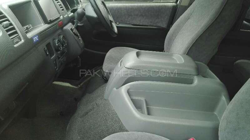 Toyota Hiace 2012 Image-3